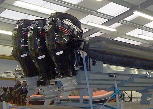 Navatek Military RIB with triple Mercury 350